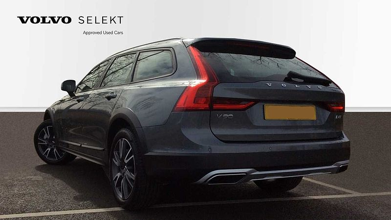 Volvo V90 Cross Country D4 AWD Plus Auto (Pilot Assist, Sensus Navigation, Retractable Tow Bar)